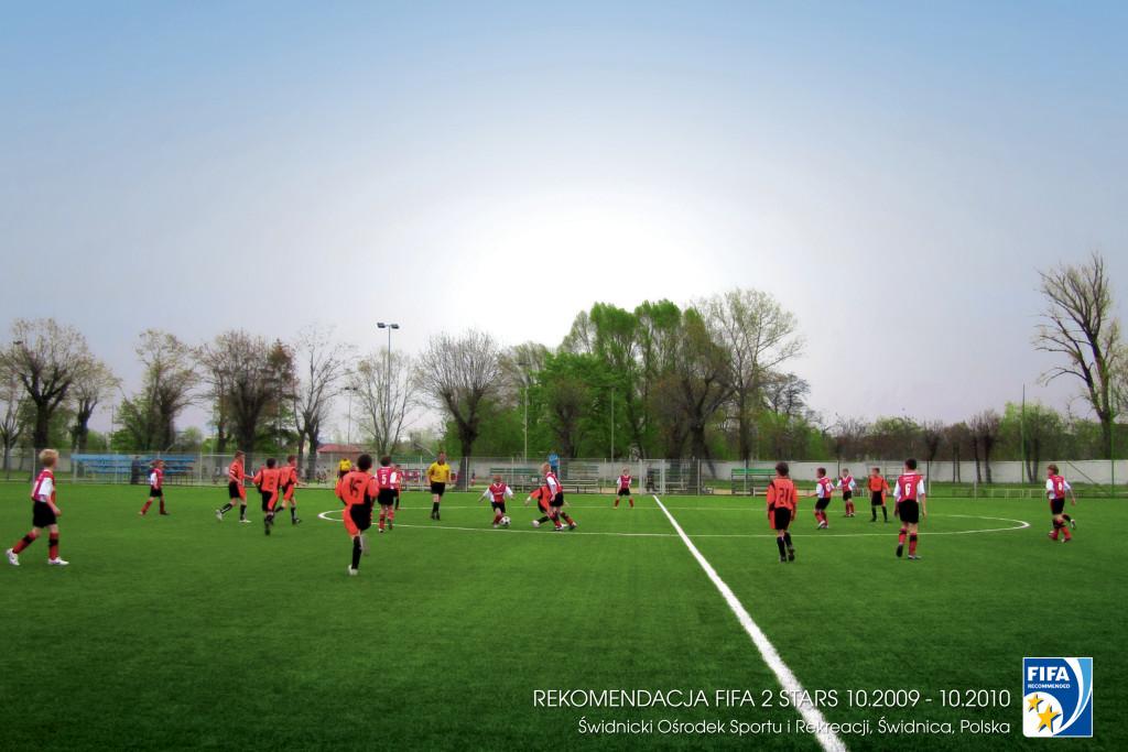 Pełnowymiarowe boisko piłkarskie z certyfikatem FIFA 2 Star w Świdnicy
